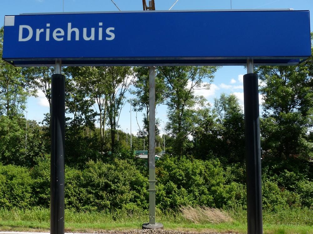 Station Driehuis - Stationsbord - Beter op weg